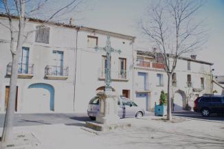 Aumes - Place de la Mairie (3)