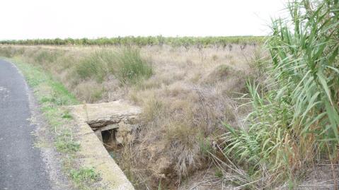 Pomérols - Ruisseau de Mayroual - D18E - Croix détruite