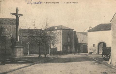 CP_portiragnes-la-promenade_Place de la libération